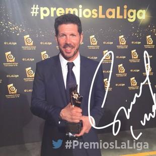 Simeone melhor técnico Espanhol 2015/16 (Foto: Reprodução / Twitter)