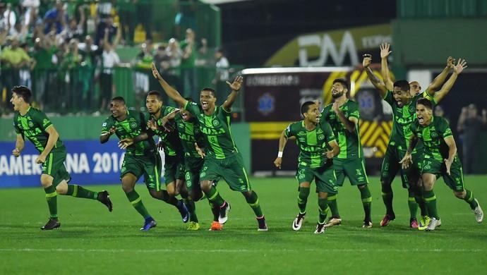 Resultado de imagem para Chapecoense x Junior Barranquilla