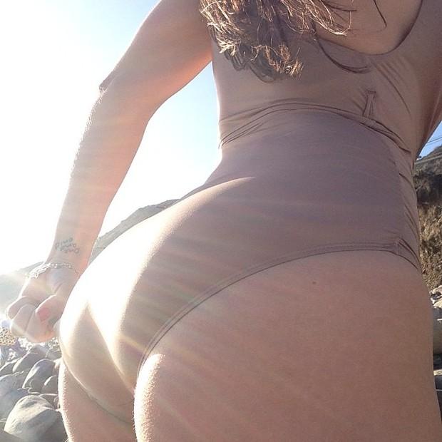 Franciely Freduzeski em praia em Los Angeles, nos Estados Unidos (Foto: Instagram/ Reprodução)