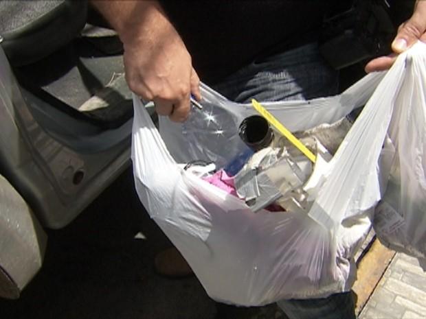 Materiais encontrados em agência bancária em Belo Jardim, Pernambuco (Foto: Reprodução/ TV Asa Branca)