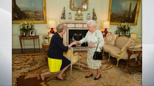 Theresa May assume cargo de premiê após renúncia de Cameron