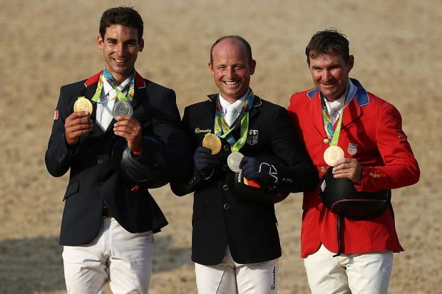 Michael Jung, do hipismo, levou a primeira medalha de ouro alemã nestes Jogos Olímpicos (e, de quebra, cerveja por toda a vida) (Foto: Sean M. Haffey/Getty Images)