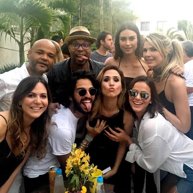 Carol Sampaio, Buchecha, André Nicolau, Thaila Ayala, Júlia Faria, Tatá Werneck e Bruna Marquezine (Foto: Reprodução/Instagram)