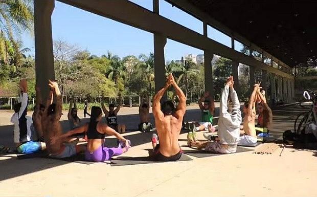 Conhea a Mahamudra, mtodo que combina yoga, crossfit, artes marciais e circuitos militares  (Foto: Divulgao / Mahamudra Brasil )