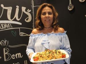 Nutricionista Honorina Paes Landim diz que receita é light (Foto: Ellyo Teixeira/G1)