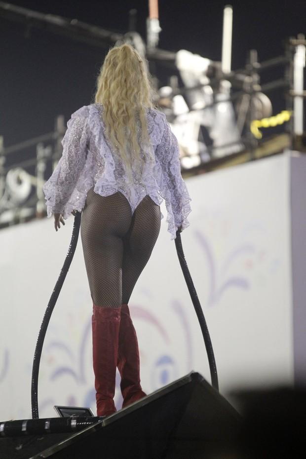 Ludmilla desfilando (Foto: AgNews / AgNews)
