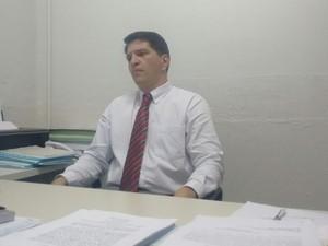 Delegado Cristiano Castelucci afirma que já tem suspeitos (Foto: Diego Souza/G1)