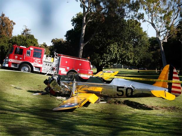 Avião caiu em campo de golfe nos EUA; site afirma que piloto era ator Harrison Ford e que ele está gravemente ferido (Foto: Lucy Nicholson/Reuters)