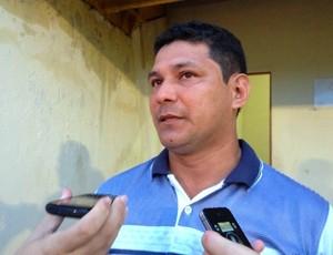 O técnico do Náutico-RR, Serginho Gois, disse que o que faltou no jogo foi gols e finalizações (Foto: Rodrigo Litaiff/GLOBOESPORTE.COM)