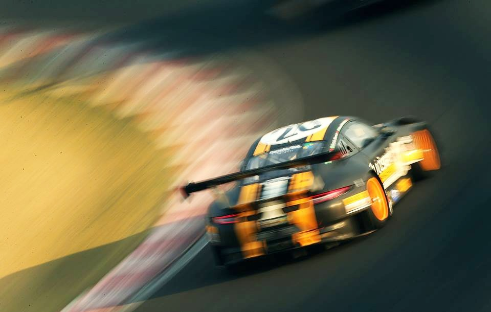 Porsche GT3R #20 - Marcel Visconde Ricardo Maurício Max Wilson  (Foto: Luca Bassani)
