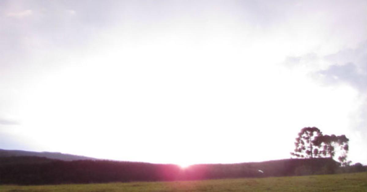 Internauta registra sequência de raios que iluminou céu de ... - Globo.com