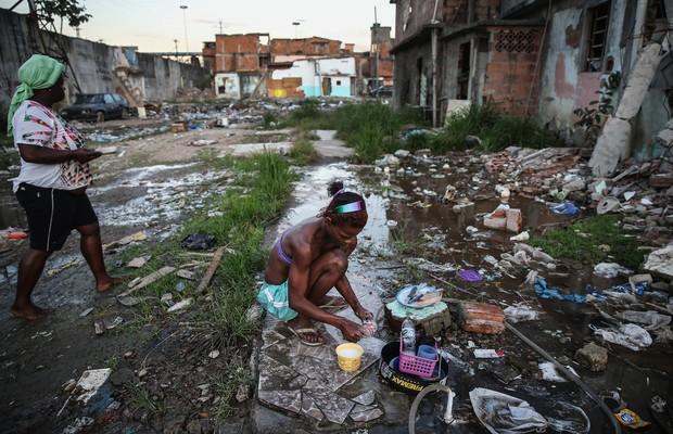 Resultado de imagem para brasil na pobreza extrema