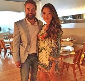 Márcio Kieling e Jacqueline Sato nos bastidores da novela Sol Nascente (Foto: Reprodução/Instagram)