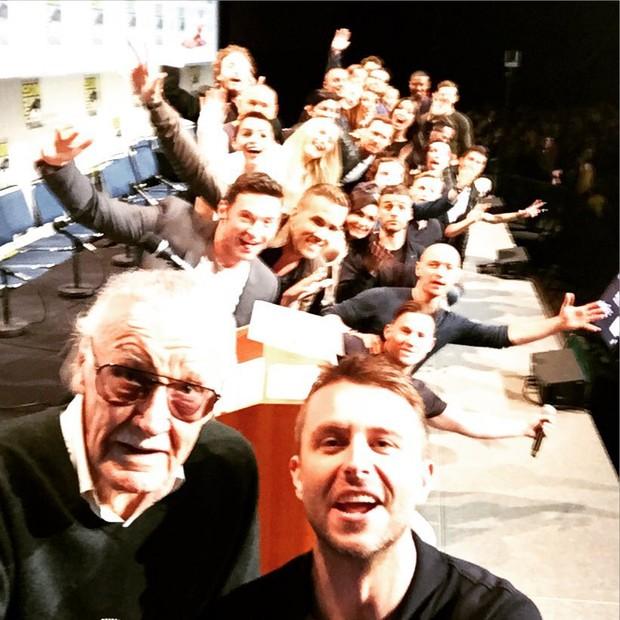 Selfie une heróis com Stan Lee na Comic Con (Foto: Reprodução/Instagram)