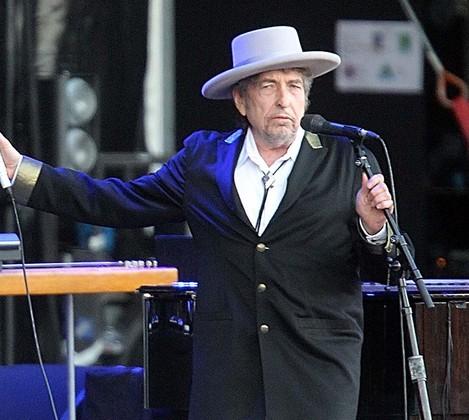 Bob Dylan lança disco triplo com covers de clássicos da música americana