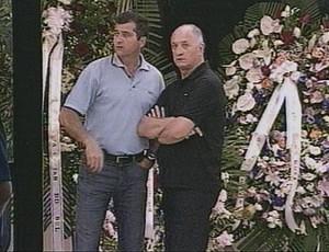 Felipão chegou a Passo Fundo para o velório na madrugada (Foto: Reprodução/RBS TV)