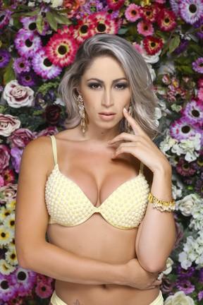 Ex-panicat Carol Narizinho posa de lingerie (Foto: Estudio PHD/ Divulgação)