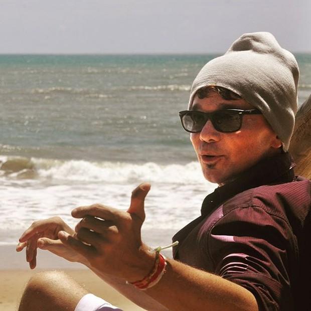 Netinho, na praia do Forte, na Bahia (Foto: reprodução/instagram)