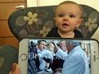 Fiéis pedem para tocar em bebê do DF após ele receber bênção do Papa