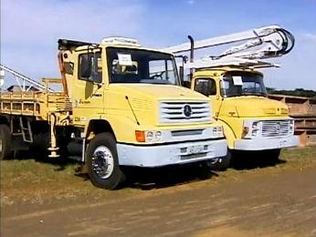 Além de dois caminhões, lotes terão 15 caminhonetes e oito automóveis (Foto: Reprodução / RPC TV)