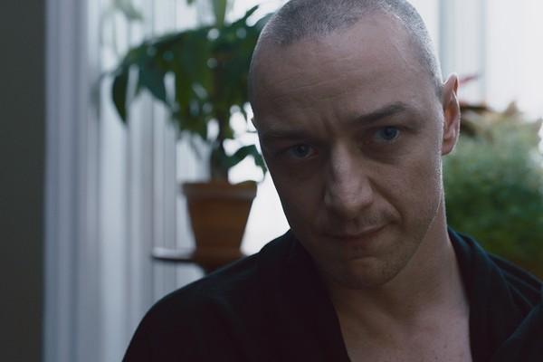 O ator James McAvoy em cena do filme Fragmentado (2017) (Foto: Reprodução)
