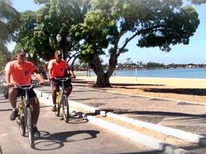 A segurança na orla conta com bicicletas que melhoram a mobilidade dos guardas (Foto: Flávio Delazari/Ascom)