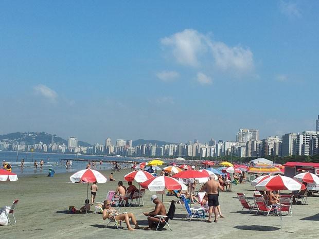 9d4e4ad6e Véspera de Natal é de praia para moradores e turistas de Santos (Foto:  Mariane