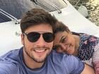 Preta Gil e Rodrigo Godoy fazem passeio de barco em Dubai