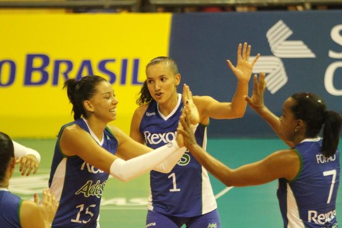 Aos 44 anos, a veterana Fofão foi um dos destaques da partida do Rio de Janeiro contra o São Caetano (Foto: Divulgação)