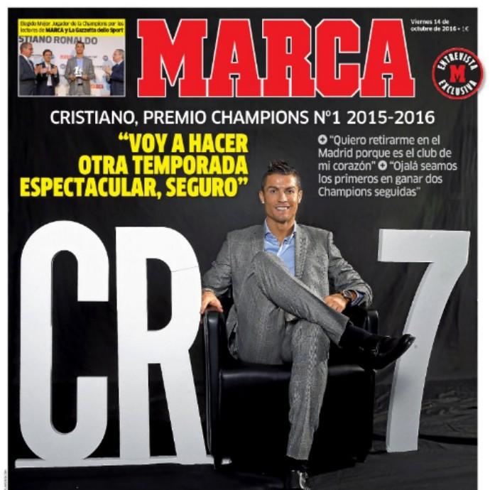 Cristiano Ronaldo revista (Foto: Reprodução/Twitter)