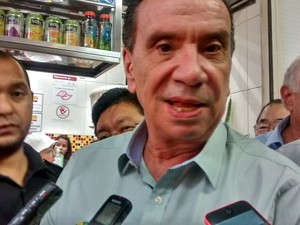 Aloysio Nunes em Mogi das Cruzes (Foto: Jenifer Carpani/G1)