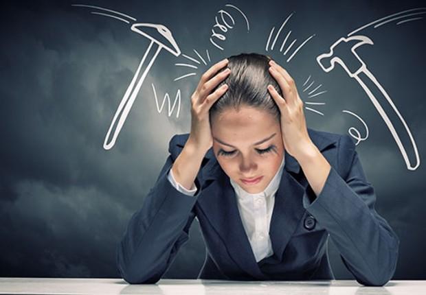 Carreira ; trabalhar sob pressão ; estresse ; dor de cabeça ; stress ;  (Foto: Shutterstock)