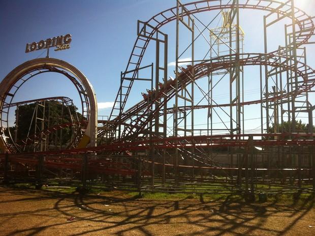 O parque de diversões foi vistoriado e liberado pelos Bombeiros antes do início da Expoagro. (Foto: Diego Souza/G1)