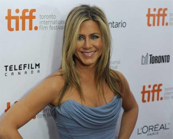 Quem diria! Jennifer Aniston se acaba na carbonara! (Foto: Getty Images)