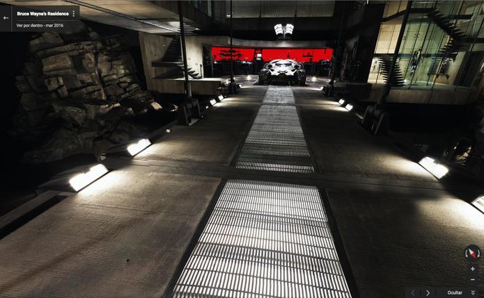 Entrada da BatCaverna leva ao BatMóvel em casa do Batman no Google Maps (Foto: Divulgação/Google)