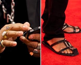 Anéis e sandálias são os favoritos de Brown (Foto: The Voice Brasil/TV Globo)