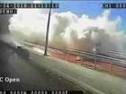 Novo vídeo mostra momento em que ciclovia é atingida por onda no Rio