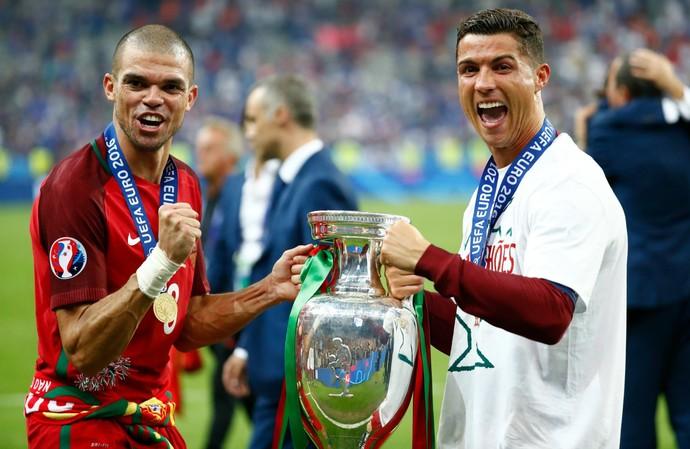 Pepe Cristiano Ronaldo Portugal França Eurocopa (Foto: Michael Dalder/Reuters)