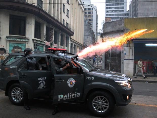 reintegração de posse, Centro de São Paulo, confronto, PM, sem-teto (Foto: Márcio Fernandes/Estadão Conteúdo)