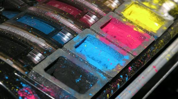 A Sinctronics transforma tampas de cartuchos de impressora em novos produtos (Foto: Divulgação)