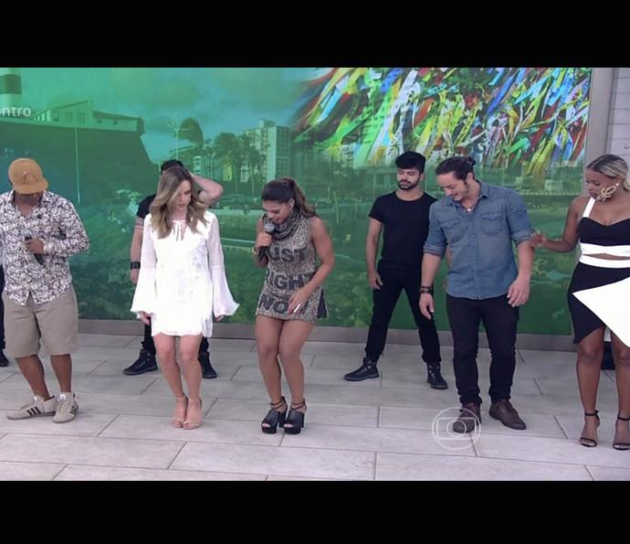 Tays Reis colocou todomundo para dançar no Encontro (Foto: TV Globo)