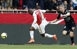 Love é titular, sai na etapa final e vê do banco vitória do Monaco (AFP)