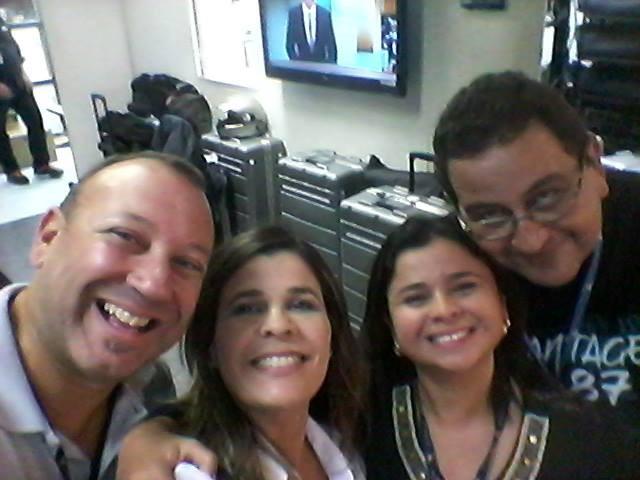Dione Aguiar na sede da emissora (Foto: Arquivo Pessoal)