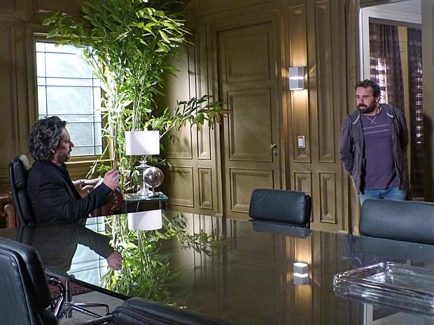 Ismael procura Zé Alfredo para devolver o anel (Foto: Império/TV Globo)