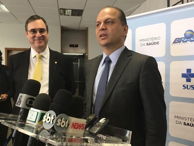 Ministro da Saúde, Ricardo Barros, durante coletiva após anúncio de mudanças em Mais Médicos nesta terça-feira (20) (Foto: Gabriel Luiz/G1)