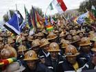 População na Bolívia protesta contra marcha de indígenas da Amazônia