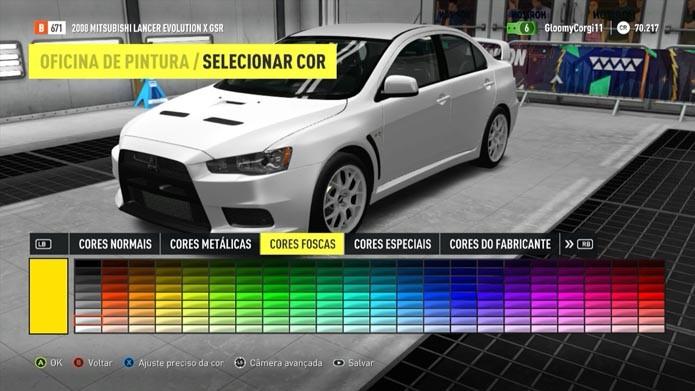 Escolha cores e adesivos (Foto: Reprodução/Murilo Molina)