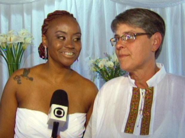 Lésbicas se casaram após 11 anos de união (Foto: Reprodução EPTV)