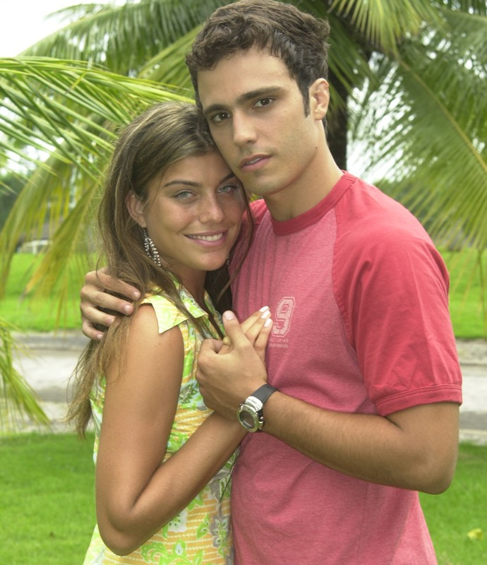 ... mas se rendeu aos escantos de Jaque, interpretada por Joana Balaguer (Foto: TV Globo)