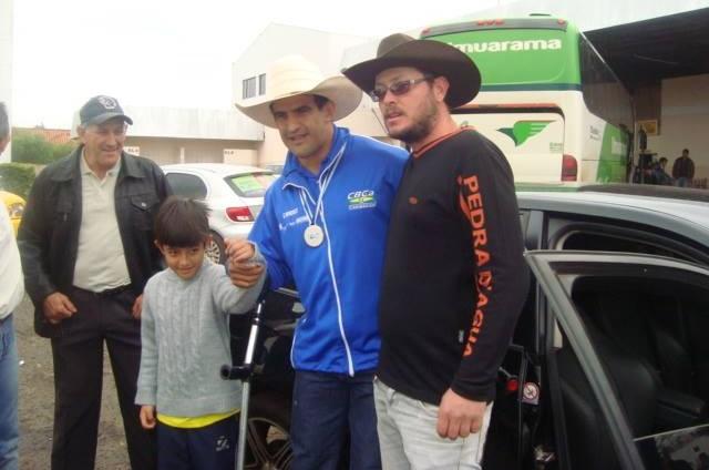 Fernando Rufino é recebido com festa em Itaquiraí (Foto: Arquivo pessoal)